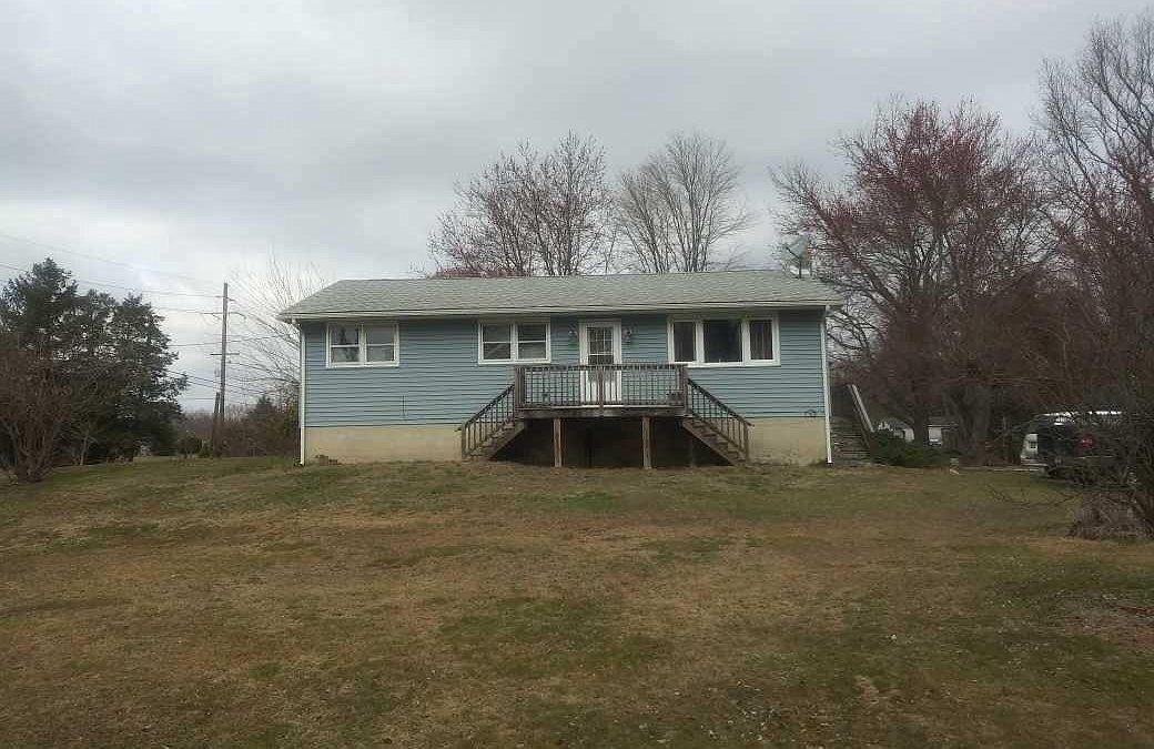 3 Avis Mill Rd, Pilesgrove, NJ 08098