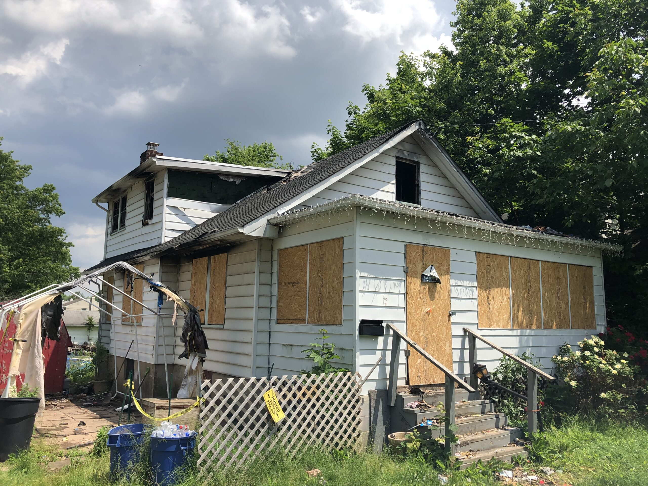 WHO BUYS FIRE DAMAGED HOMES IN TITUSVILLE
